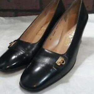 Salvatore Ferragamo Shoes 9.5 AA Narrow Black